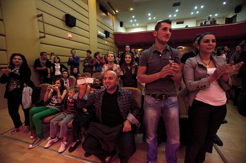 Pubblico standing ovation-L