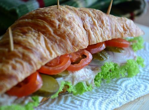 rsz_croissant_tuna_sandwich