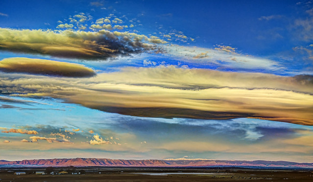 Wave Cloud over the Medicine Bow