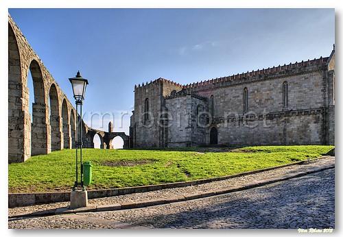 Aqueduto e igreja do Convento de Santa Clara by VRfoto