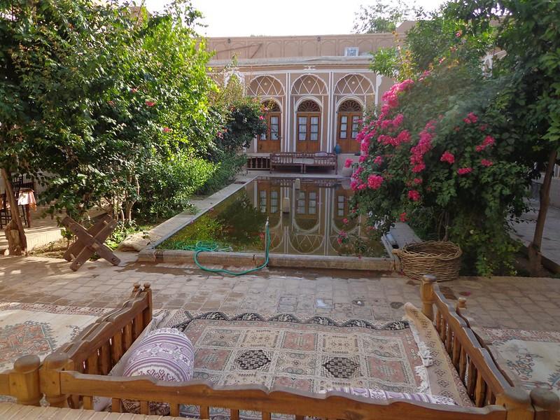 Pátio interior do Hotel Kohan Kashaneh em Yazd Irão