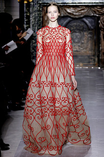 valentino-couture-spring-2013-01_172002392477