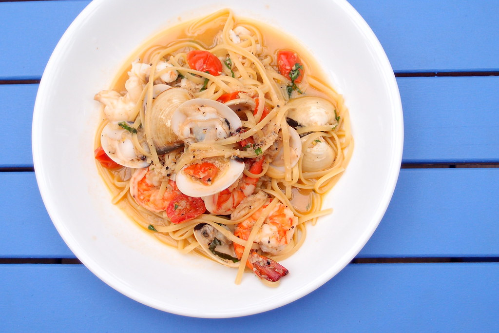 Coastes: Seafood Linguine