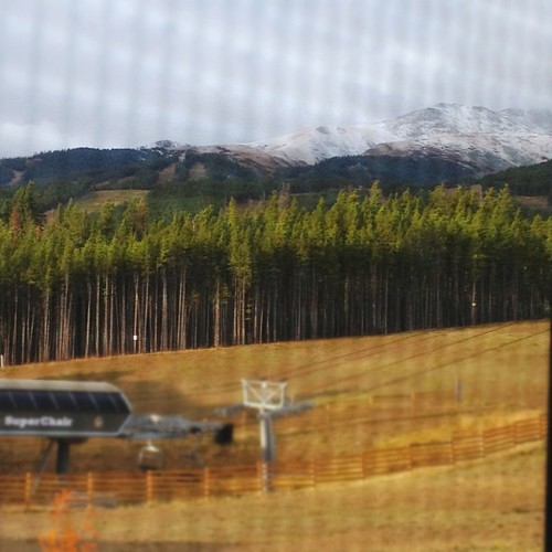 There's #snow up on the #mountains in #breckenridge  this morning!