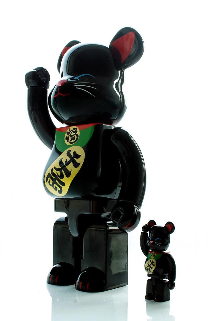 ベアブリック招き猫(黒)