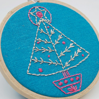 Season's Stitchings Christmas Tree SeptemberHouse