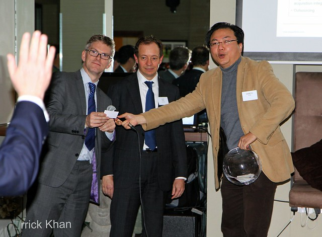 Speakers John Maloney, Director AlixPartners, Caio Gilberts MD, AlixPartners and Gareth Wong, E/MBA Club & GamBond® Founder IMG_5101 picking out winners for the next Q4 private screening