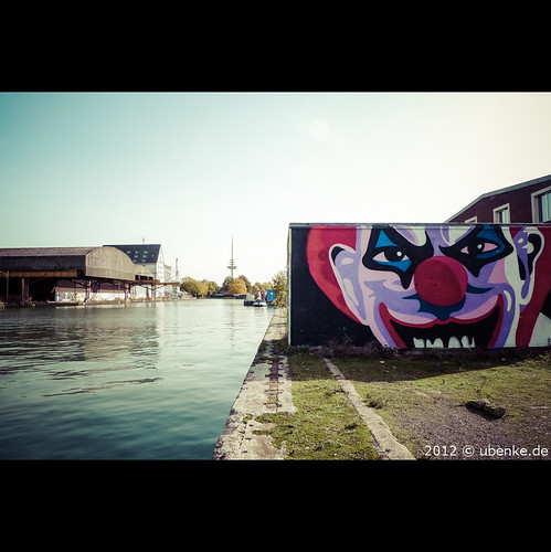 _street_art by l--o-o--kin thru