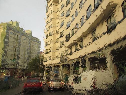 El barrio a través de la lluvia by treboada