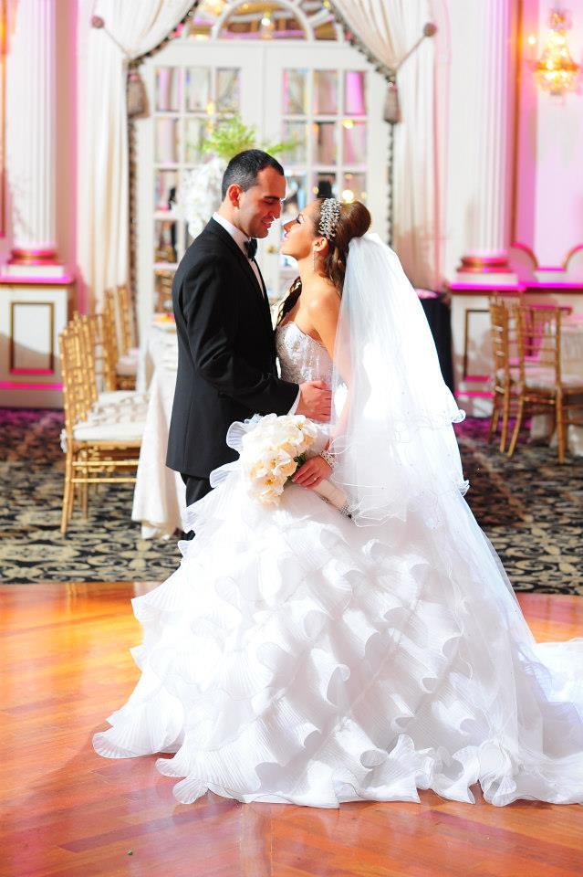 curl edge cathedral veil, statement brida headpiece, Versailles inspired wedding, Marie Antoinette inspired wedding