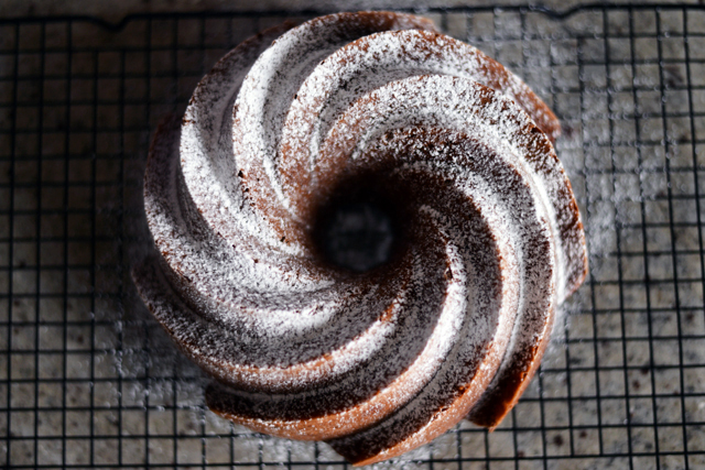 dusted-pumpkin-bundt-cake