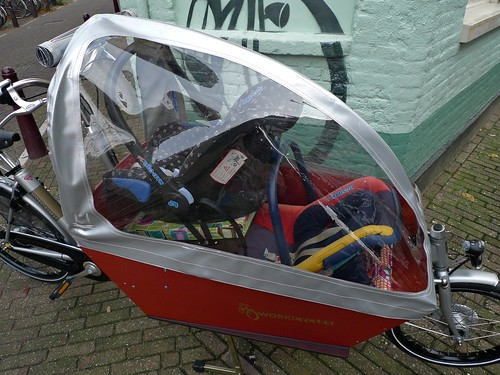 tweeling-maxi-cosi-workcycles-cargobike-canopy