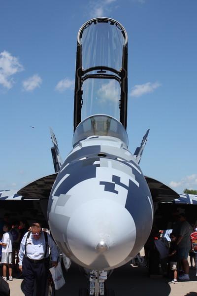 11_EAA_FA-18F_002