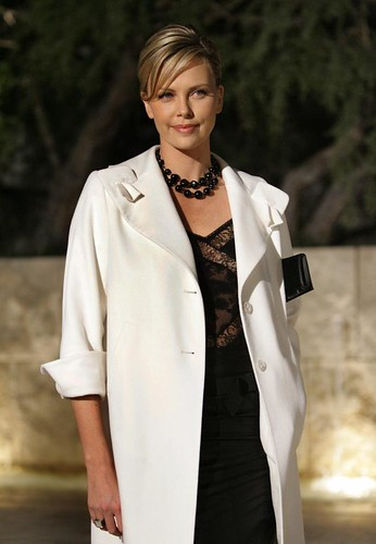 Charlize simply lovely @ Christal launch @ Getty Centre 13 DEC 2005 Posted 31 OCT 2012