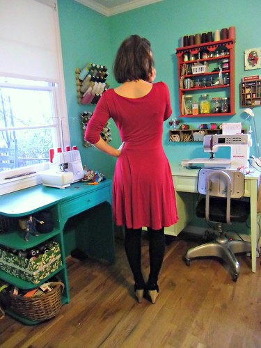 Butterick 5078 - slinky red