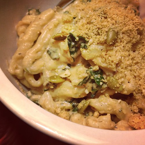 Alfredo with kale & mushrooms, over homemade fusilli #vegan