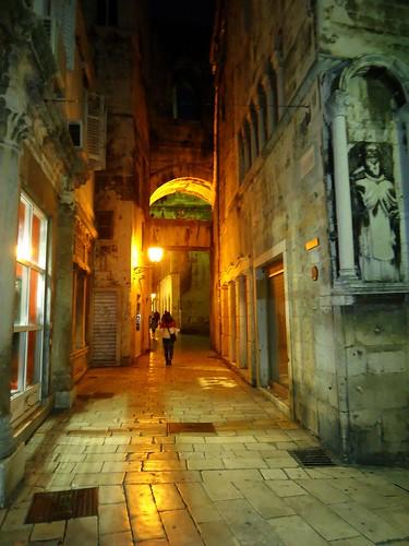 ispod ure by XVII iz Splita