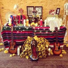 Ofrenda para el 100 aniversario de la muerte de José Posada.