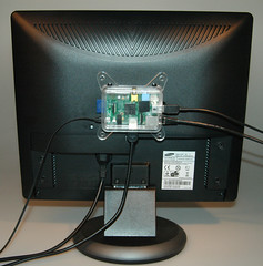 raspberry-pi-vesa-adapter-3