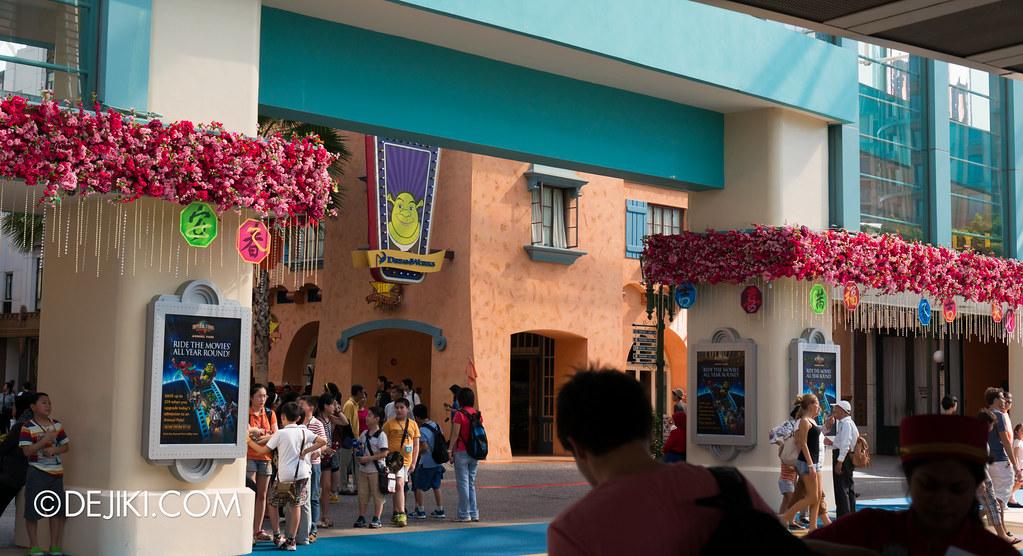 Universal Studios Singapore - Park Entrance Chinese New Year decor 3