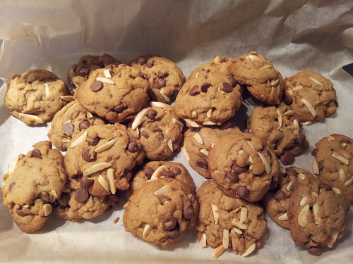 Chocolate Chip Almond Cookies by jollymommybaker