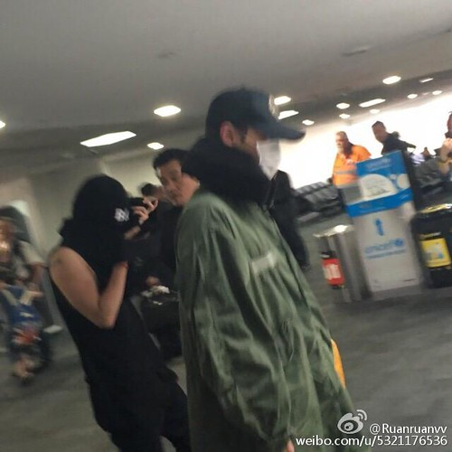 BIGBANG Arrival Melbourne 2015-10-20 (15)