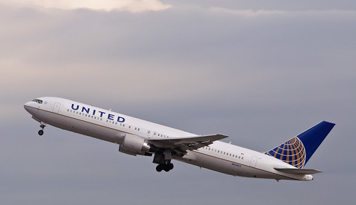 United Airlines Boeing 767 by SapphoWeTrust, http://www.flickr.com/photos/skinnylawyer/