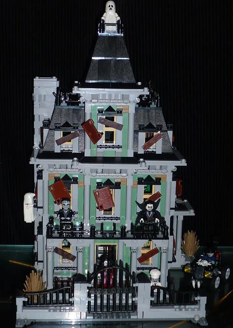 Lego haunted house set flickr photo sharing for Lego house original