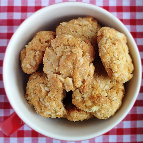 Chewy coconut macadamia oatmeal cookies