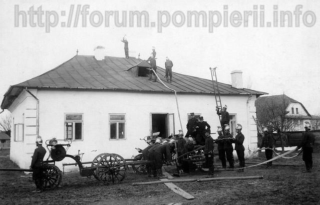 Exercitiu al pompierilor din Botosani, perioada 1905-1910