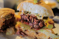 sandwich, hamburger, slider, meat, sloppy joe, food, dish, cheesesteak, cuisine,