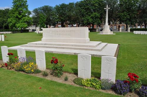 2012.06.30.032 - IEPER - Militaire Begraafplaats 'Ypres Reservoir Cemetery'