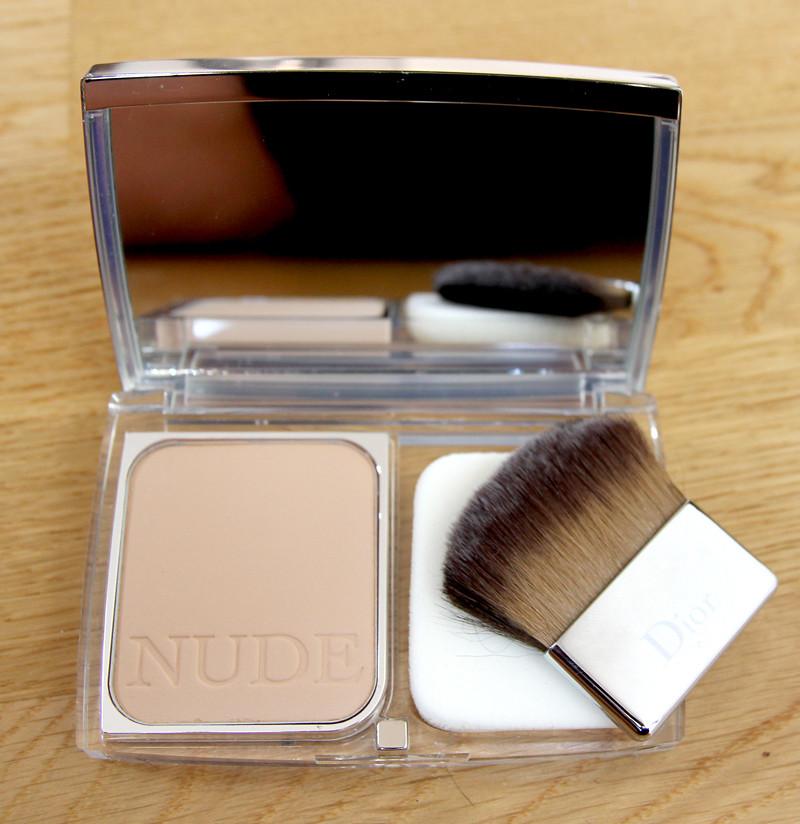 Dior Diorskin nude skin-glowing makeup SPF15(1)