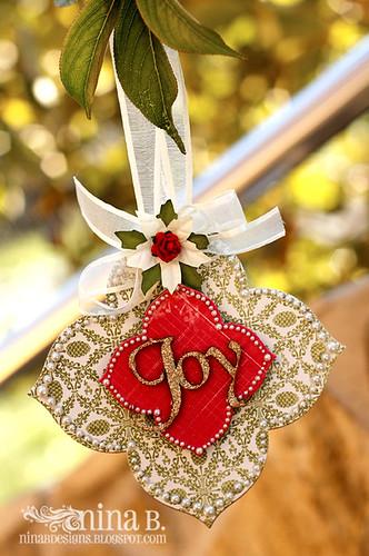 W2S-ornament