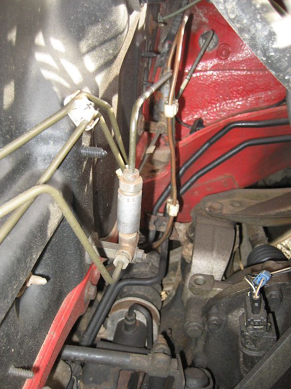 Uneven braking between rear brakes - a mystery