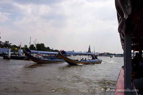 Navegando por el río en Bangkok