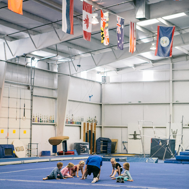 011113-gymnastics-3
