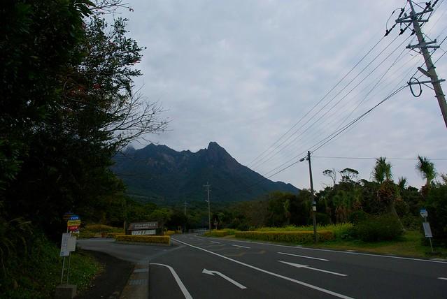 町からのモッチョム岳