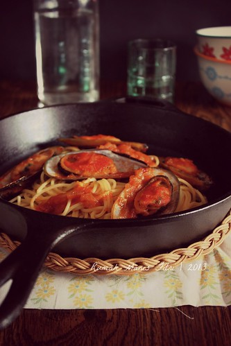 Spaghetti with Mussel in Padangnese Chilli Sauce by Fitri D. // Rumah Manis