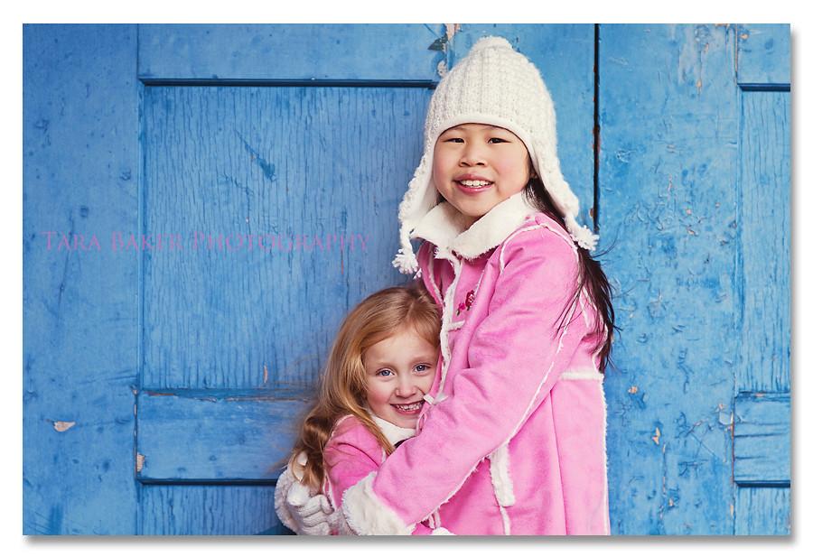 blog girls by the blue door drop shaddow