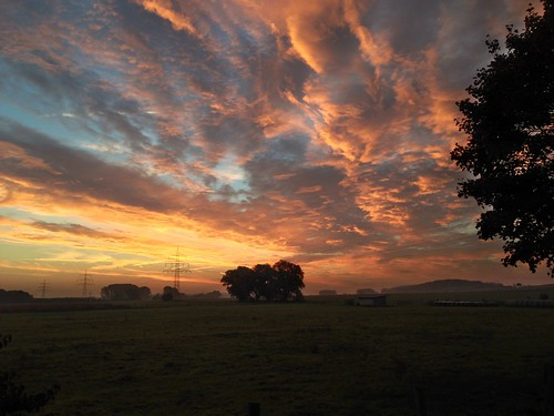 clouds sunrise germany deutschland cloudy wolken sonnenaufgang niedersachsen barsinghausen iphone5 barrigsen