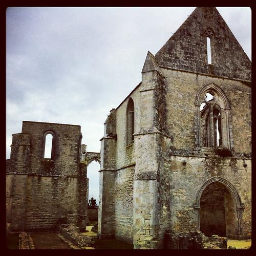 Abbaye Notre-Dame-Des-Chanteliers