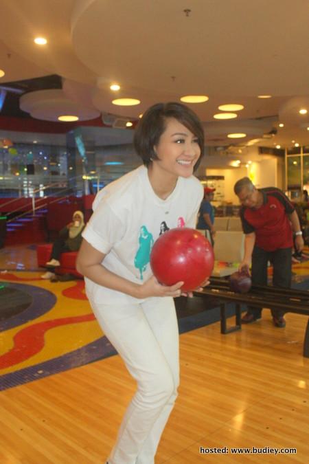 Pertandingan Bowling Dynas Bersama Peminat