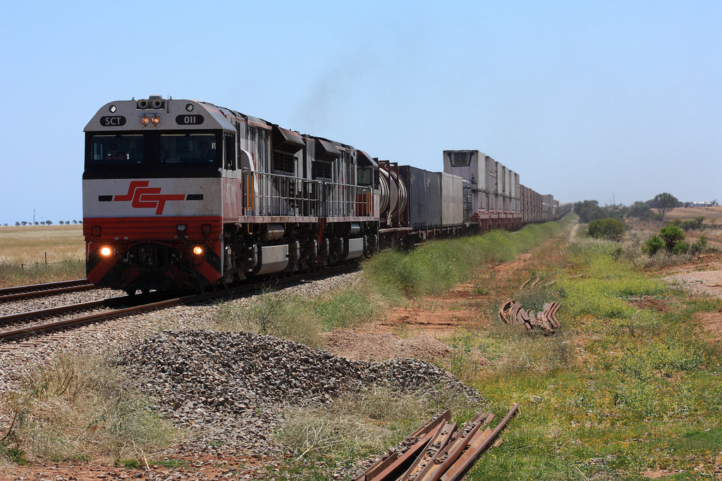 SCT011, SCT012 Milcowie Rd Crossing by Malleeroute