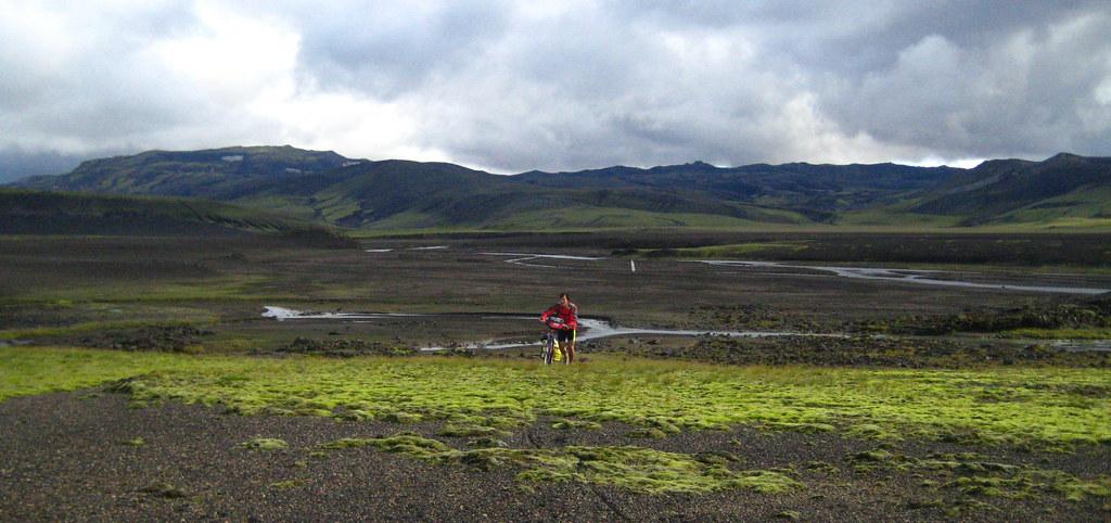 Pedalant per Islàndia, l'illa del gel i del foc