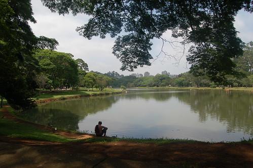 Am Reservoir im Ibirapuera Park lässt es sich gut relaxen