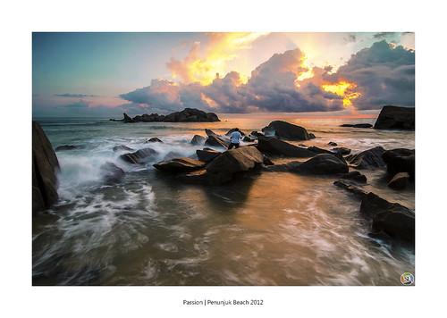 sleeping texture tourism beach rock giant exposure wave explore hitech kijal 9s cuticuti gnd tourismmalaysia penunjuk