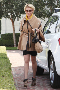 Katherine Heigl Cape Coat Celebrity Style Women's Fashion