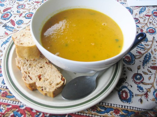 Delish vegan carrot and coriander soup, made by Lovely Boyfriend