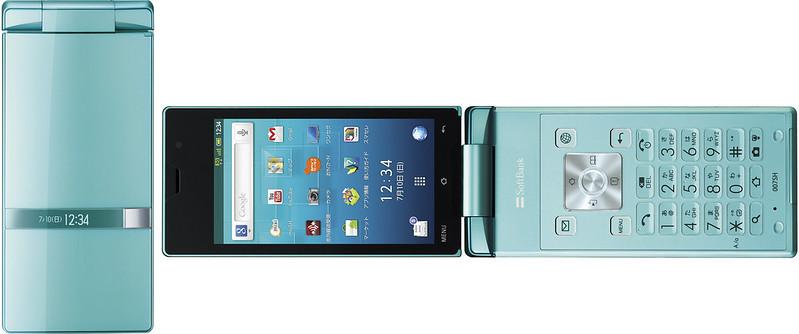 AQUOS PHONE THE HYBRID 007SH 実物大の製品画像